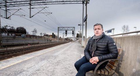 SPISSER DRIFTEN: Daglig leder i NRC Rail AS i Lillestrøm og toppsjef i det børsnoterte eierkonsernet NRC Group ASA, Øivind Horpestad, spisser tjenestene i selskapet som har spesialisert seg på jernbanebygging. Med omleggingen ryker 40 arbeidsplasser.  FOTO: VIDAR SANDNES