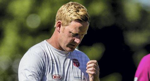 Press: Espen Olsen mener Strømmen må ta opp mot 19- av de 30 siste poengene for å berge plassen uten kvalifisering. Da mener han Ull/Kisa må slås søndag. Foto: NTB scanpix