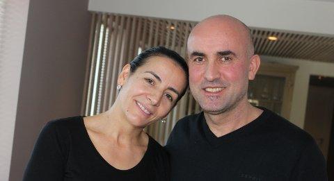 Violeta og beslim Kadrijaja flyktet fra krigen i Kosovo da de var 23 og 24 år. Det eneste som er fra Kosovo i det nyoppussede huset på Fjellhamar er bilder av en kunstner.