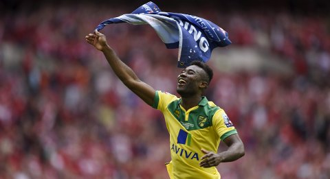 "Football - Norwich City v Middlesbrough - Sky Bet Football League Championship Play-Off Final - Wembley Stadium - 25/5/15 Norwich City's Alexander Tettey celebrates at full time after gaining promotion to the Barclays Premier League Action Images via Reuters / Tony O'Brien Livepic EDITORIAL USE ONLY. No use with unauthorized audio, video, data, fixture lists, club/league logos or ""live"" services. Online in-match use limited to 45 images, no video emulation. No use in betting, games or single club/league/player publications.  Please contact your account representative for further details."