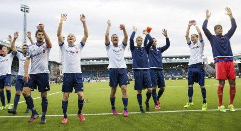 Drammen  20150809. Eliteserien fotball 2015: Strømsgodset-Stabæk (0-2). Stabæk-spillere jubler etter eliteseriekampen mellom Strømsgodset og Stabæk på Marienlyst stadion. Foto: Audun Braastad / NTB scanpix