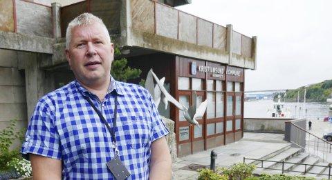 Høyres gruppeleder i bystyret, Torbjørn Sagen, mener ordfører Kjell Neergaard blander kortene når han  bevilger ekstra penger til 1.mai-arrangementet.