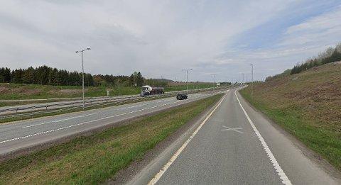 TATT PÅ FERSKEN: Det var her, ved E18-påkjøringen ved Bergsengakrysset, at UP-patruljen ble obs på ruskjøringen.