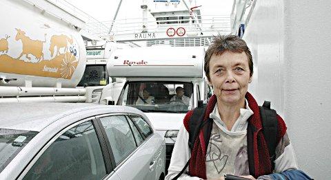Kristin Sørheim (Sp) fremmet på vegne av hele samferdselsutvalget forslaget om å kutte fergetakstene med 10 prosent fra 1. juli..