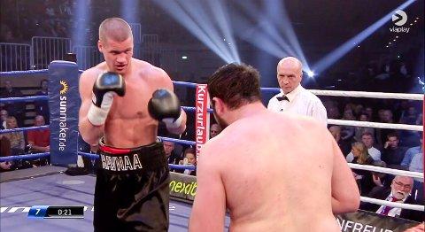 Kai Robin Havnaa vant på poeng mot Ramazi Gogichashvili fra Georgia.