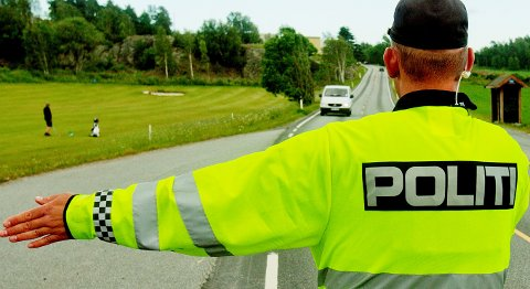 Utrykningspolitiet (UP) med kontroll. Foto: Stian Lysberg Solum / NTB scanpix