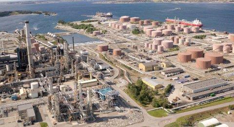 Statoil har avgjort å utsette raffinering av olje fra Johan Sverdrup-feltet på Mongstad. Dermed kan Nordhordland gå glipp av investeringer på 7 milliarder kroner. FOTO: ØYVIND HAGEN, STATOIL