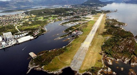 Ingen flyselskap synes Florø lufthamn er spesielt interessant. No jobbar den politiske leiinga i Flora kommune med å finne flyselskap som vil konkurrere om rutene her. FOTO. DAG FRØYEN, FIRDAPOSTEN