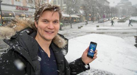 Fridtjof Berge er en av de fem gründerne som satser på appen Towning. Nå blir appen testet ut i Bergen. FOTO: EIRIK HAGESÆTER