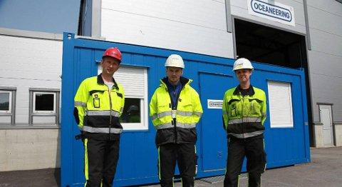 Den nye kontrakten sikrar jobbane for Oceaneering-tilsette. På biletet frå venstre Roger Lien, Ørjan Tonheim og Helene Nyttingsnes. ARKIVFOTO. FIRDAPOSTEN