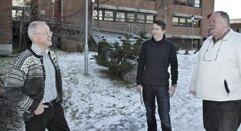 Aage Mokkelbost (fra venstre), Ingmund Engøy og Per Kvarsvik fornyer tilbudet i prosessteknikk ved Fagskolen i Kristiansund.