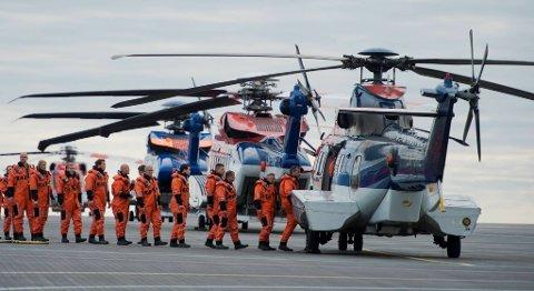 Bristow Norway skal fortsette å fly oljearbeidere til og fra Nordsjøen fra Bergen. Kontrakten som trår i kraft fra 1. mai neste år, har en verdi på en milliard kroner. FOTO: MAGNE TURØY