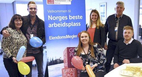 Med ballonger og marsipankake feiret Mette Skavnes, Jim Marius Larsen, Elisabeth Svensen Gaarden, Therese Hopmark, Jan O. Kvalvåg og Pål Fredrik Wollan tittelen.