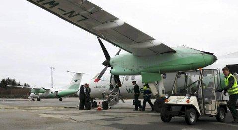 Frå 1. april vil opningstida på Florø lufthamn bli redusert med fire timar. Det vil føre til at fleire misser jobben. FOTO: DAG NESBØ FRØYEN