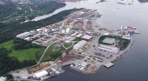 Utbyggerne var klare til å gå i gang med utbyggingen av oljebasen i Florø. Nå er arbeidet satt på vent.
