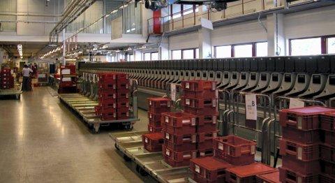 Brevsenteret ved Postterminalen på Minde blir rammet dersom Posten Norge gjennomfører nedbemanningsplanene. FOTO: TOM R. HJERTHOLM