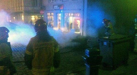 Mannen ble i 2013 tatt for en rekke branner i bosspann og konteinere i Bergen sentrum. Her i Vågsbunnen holdt det på å gå galt da flammene slikket opp etter en husvegg.