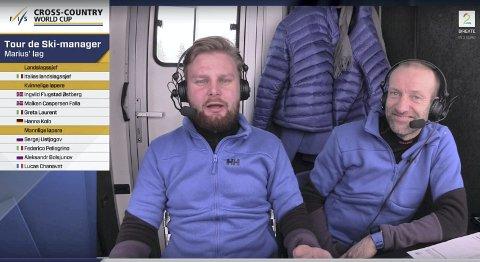 Her diskuterer TV 2s kommentator Marius Skjelbæk (t.v.) sitt lag i Tour de Ski-manager med Odd-Bjørn Hjelmeset under sending.