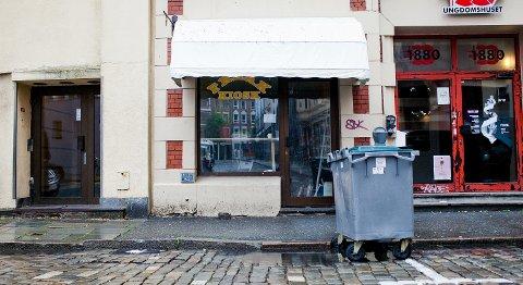 Freak kiosk ble stengt både av Mattilsynet og av politiet, for manglende serveringsbevilling. De er fortsatt stengt.