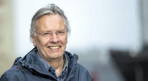PENSJONIST: Inge Morild (70) har åpnet rundt 10.700 lik, på jakt etter forklaringen på at de døde. Han har vært involvert i de fleste store sakene både i Norge og i utlandet. – Jeg kan lukte lik på avstand, sier rettsmedisineren og professoren ved Gades Institutt. FOTO: EMIL WEATHERHEAD BREISTEIN
