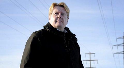 MÅ HA GLEMT: Roy Østen Henriksen ber kunden ta kontakt med ham direkte. Han mener kunden må ha glemt at hun har gått med på binding.