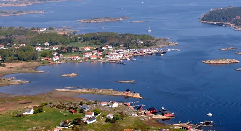 SMILER: Herføl Handel - Herfølrenna kro holder til ved Herføl marina.