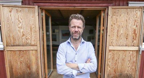Fredag kveld åpner Leif Nyland ny salgsutstilling på Vikane.