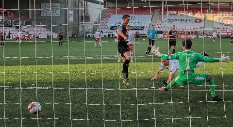 TREKKES POENG: FFK slo Nardo 3-0 på Stadion i september. Nå trekkes trønderne to poeng.