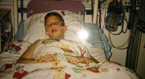 FIKK KREFT: Richard Melvoll fra Sandefjord var bare ni år gammel da han fikk kreft og ble lagt inn på sykehus. Det ble starten på en lang og tøff kamp på liv og død Foto: Privat