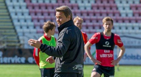 TØFT: FFK-trener Bjørn «Bummen» Johansen forventer en tøff oppgave når Bryne gjester Stadion søndag.