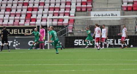 HamKam vant på Stadion, og jublet for tre poeng og tabelltopp.
