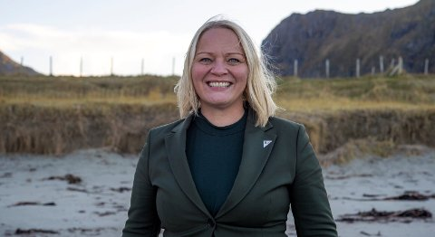 PÅ TOPP: Mona Fagerås ble lørdag kveld valgt som førstekandidat på stortingslisten til Nordland SV.