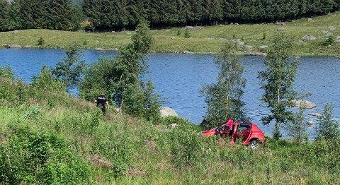 En bil med en fører som ifølge politiet var «åpenbart påvirket» havnet utfor Timeveien i formiddagstimene fredag.