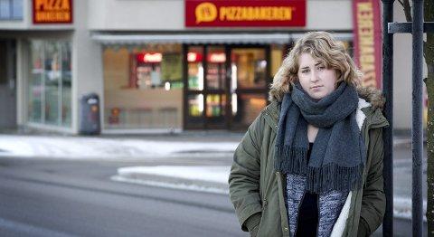 Sint: Da Hanna Iversen Bråthen ikke fikk lønn som avtalt av Pizzabakeren rant begeret over. Hun bestemte hun seg for å fortelle om arbeidsforholdene hos det nye pizzastedet. I en post på                  Facebook oppfordret hun folk til å boikotte sin tidligere arbeidsgiver.Foto: Ole-Johnny Myhrvold