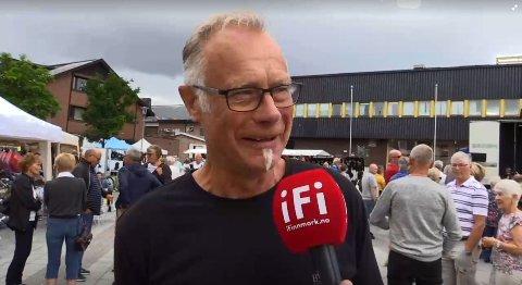 SOSIALT: Svein Olav Olsen er glad hjembyen er full av kjentfolk under Kirkenesdagene.