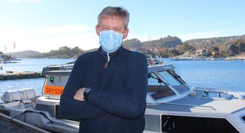 – Vi har egne korona restriksjoner ombord i taxibåtene som er pålegg med bruk av munbind og maksimalt 8 passasjerer, sier taxibåteier Bjørn Arne Halvorsen ved Taxibåtsentralen Valle.