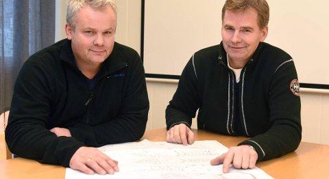 Gudmund Øvrehus (t.v.) og Tore Thorkildsen har seld 50% av aksjane i BKS-konsernet til Handeland Industri AS. Arkivfoto: Kvinnheringen.
