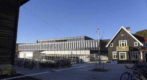 NYTT OG GAMMELT: Krona har blitt bygget midt inne blant den historiske bebyggelsen på Vestsiden. FOTO: IRENE MJØSENG