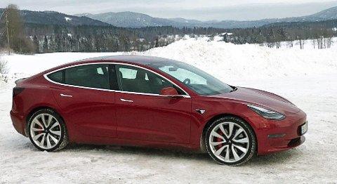 Ventetiden har vært lang, men nå er Tesla Model 3 endelig ute på makedet i Norge.