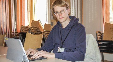 Ansatt: Anders Birkenes har i dag fast jobb ved it-avdelingen i Ås kommune etter først å ha vært lærling samme sted.