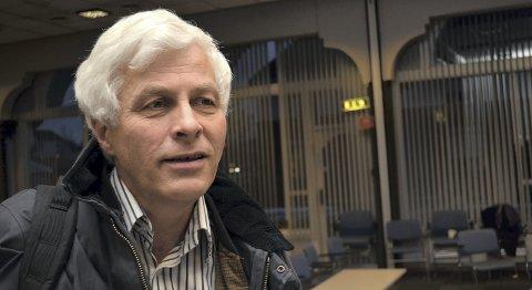 VIL LEGGE NED: Divisjonsdirektør Øyvind Graadal legger Hamar sykehus i potten for å få fortgang i Mjøssykehuset. Han vil beholde virksomhet i Elverum.