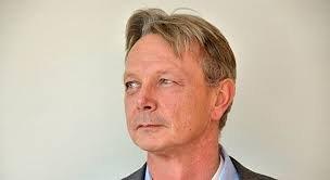 MÅ VITE MER: Den norske ulvens opphav er ikke fastskått, det er det viktig å få gjort, mener NORSKOG-direktør Arne Rørå.