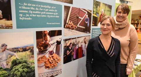 NY KUNNSKAP: Professor Siren Eriksen (foran) og daglig leder for Lillehov i Løten, Ingunn Sigstad Moen, har deltatt i et landsomfattende forskningsprosjekt om demensomsorg på gård.