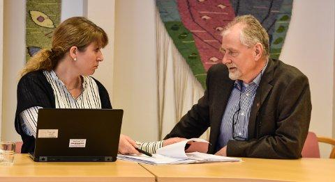 HYTTEKONFLIKT: Klagene inneholder ikke noe nytt, mener Løten-rådmann Tollef Imsdalen, her med plansjef Kristin Ødegård Bryhn.