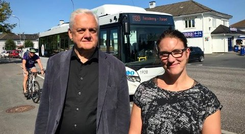 ETTERLYSER TILBUD: Jørn Magdahl og Maren Njøs Kurdøl mener det er på tide å få på plass et nytt tilbud.