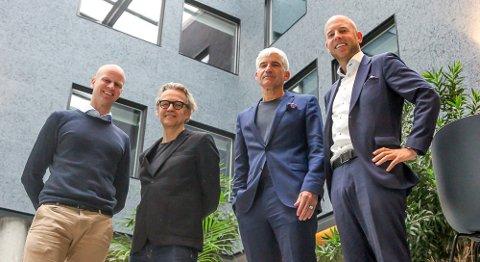 COMFORT-FIRKLØVERET: F.v.: Bjørnar Haukstad (R8 Property), Per Suul (Lund Hagem Arkitekter), hotellsjef Teo K. Luisa og R8-topp Emil Eriksrød.