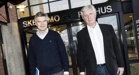 STRAMT: Rådmann Torstein Leiro og økonomidirektør Erik Nafstad i Skedsmo kommune sier budsjettet for 2016 blir stramt. FOTO: TOM GUSTAVSEN