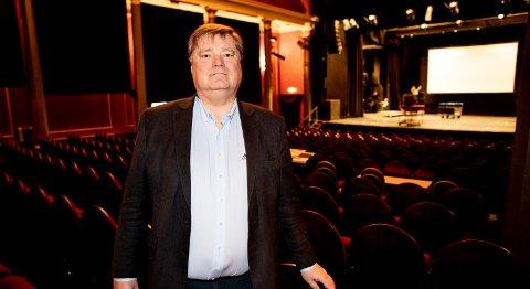 Daglig leder Lars Otto Ullereng i Lillestrøm kultursenter legger ikke skjul på at det blir utfordrende å holde stengt i høyseseongen, men har forståelse for at det krever en stor dugnad å få kontroll på smittesituasjonen. Foto: Tom Gustavsen