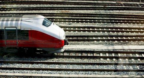«For Venstre er det en viktig del av vårt arbeid for mer miljøvennlig transport å styrke jernbanen, bedre tilbudet til de reisende og skape klimavennlige alternativer til fly og bil», skriver Jon Gunnes, samferdselspolitisk talsperson for Venstre, i dette innlegget. (Foto: Vegard Wivestad Grøtt, NTB Scanpix)