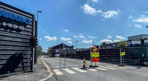 OMKJØRING: En strekning av Olav Haraldssons gate er nå stengt.